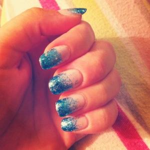 blue sparkle tips